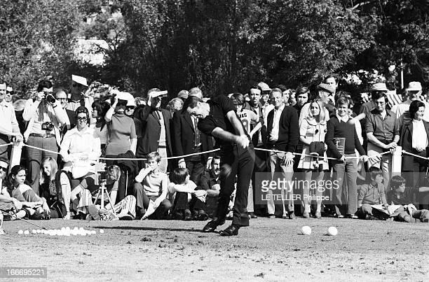 Lancome Trophy 1972 Le 9 octobre 1972 au Golf de SaintNomlaBretèche en France le tournoi de golf le sudafricain Gary PLAYER sur le green