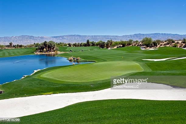 ゴルフコースの景観 - アメリカ南西部 ストックフォトと画像