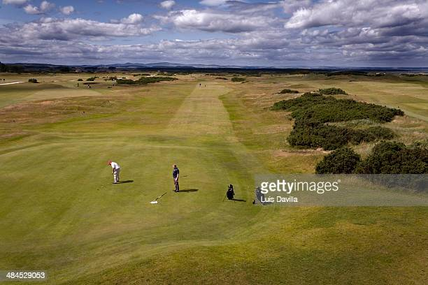 golf link clubs house.st.andrews. scotland - st. andrews scotland stock pictures, royalty-free photos & images