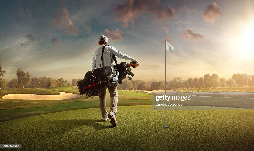 Golf: Man playing golf in a golf course : Stock-Foto