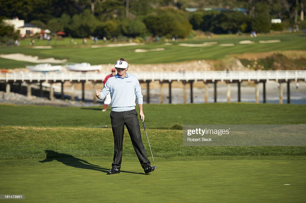 Brandt Snedeker victorious during Sunday play at Pebble Beach Golf Links. Robert Beck F78 )