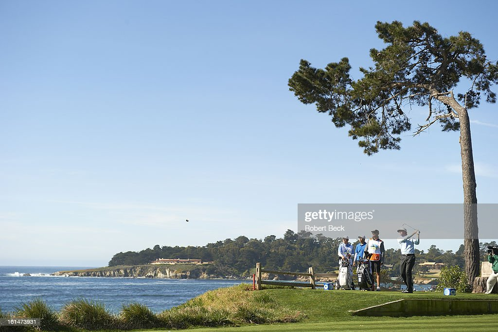 Overall view of Brandt Snedeker in action during Sunday play at Pebble Beach Golf Links. Scenic. Robert Beck F84 )
