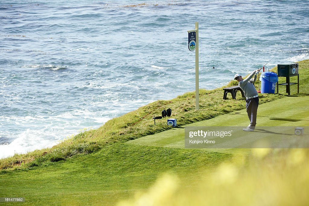 Scenic view of Hunter Mahan in action on No 8 hole during Sunday play at Pebble Beach Golf Links. Kohjiro Kinno F29 )