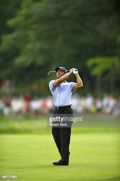 Championship: Tiger Woods in action on Thursday at Hazeltine National GC. Chaska, MN 8/13/2009 CREDIT: Robert Beck