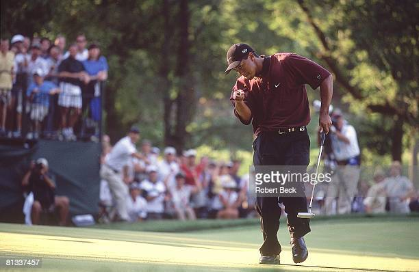 Golf: PGA Championship, Tiger Woods victorious after sinking putt on Sunday at Valhalla CC, Louisville, KY 8/20/2000