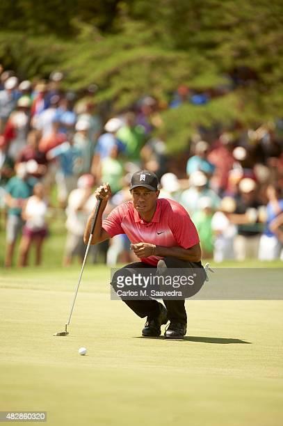 Quicken Loans National: Tiger Woods reads the green during Sunday play at Robert Trent Jones GC. Gainesville, VA 8/2/2015 CREDIT: Carlos M. Saavedra