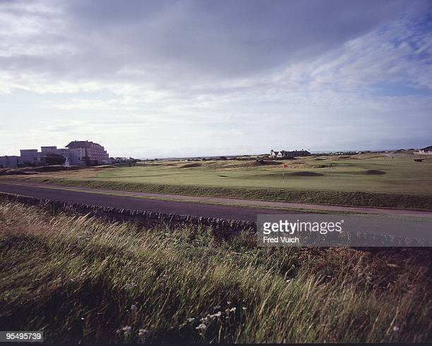 Scenic view of No 17 at St Andrews Old Course. St Andrews, Scotland 1/1/1990-- CREDIT: Fred Vuich