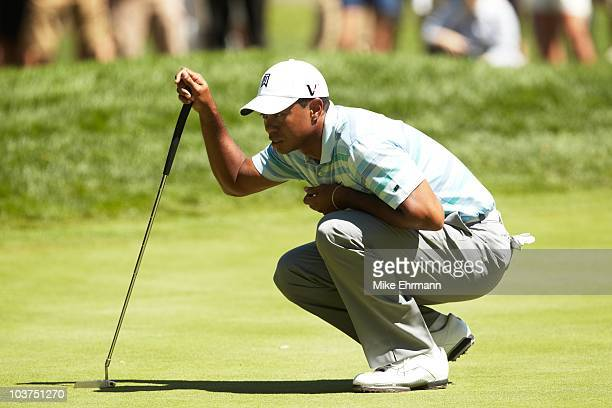 Tiger Woods lining up putt during Friday play at Ridgewood CC. FedEx Cup. Paramus, NJ 8/27/2010 CREDIT: Mike Ehrmann