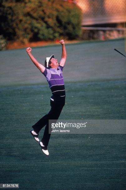 Golf: The Masters, Larry Mize victorious after making chip on No, 11 during playoff vs Greg Norman and winning tournament on Sunday at Augusta...