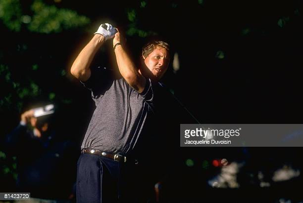 Golf: Tour Championship, Phil Mickelson in action, drive on Sunday, Tulsa, OK