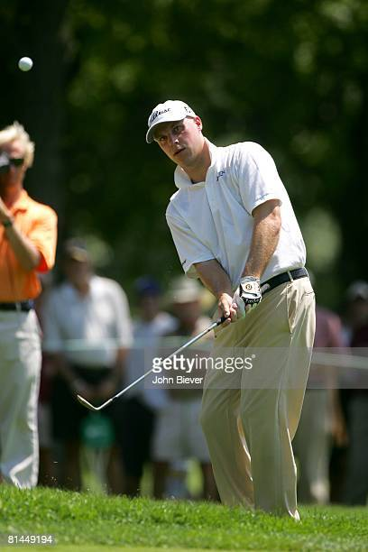 Golf: US Bank Championship, Ben Crane in action, chip on Sunday at Brown Deer Run GC, Milwaukee, WI 7/24/2005