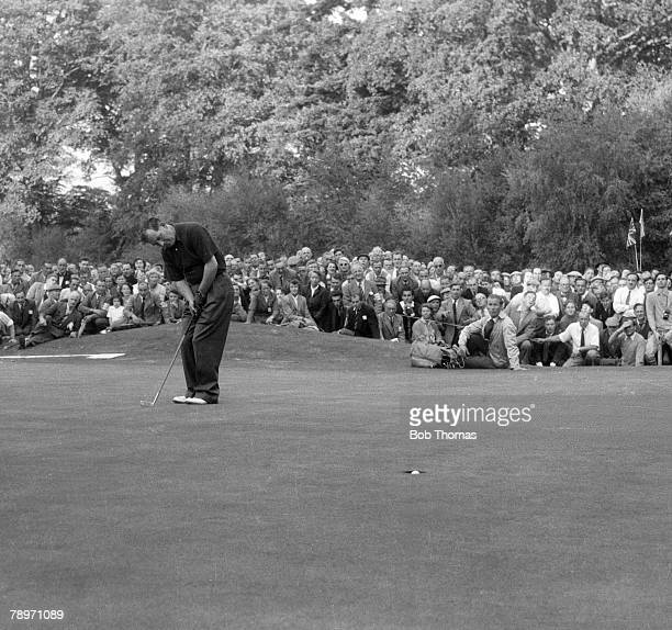 Golf,1953 Ryder Cup at Wentworth, A picture of Fred Daly of Ireland sinking a putt to win his foursomes match