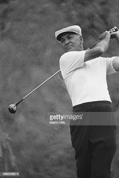 Golfer Ben Hogan plays golf in 1970