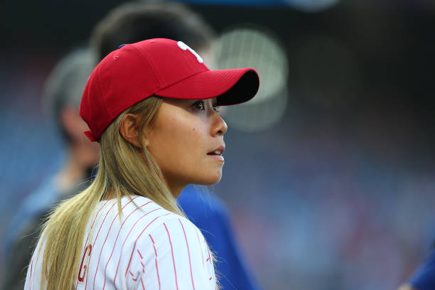 https://media.gettyimages.com/photos/golfer-danielle-kang-looks-on-before-she-throws-out-the-first-pitch-picture-id1162271708?k=6&m=1162271708&s=612x612&w=0&h=eIxsuyu181yuzSeJlxbgFBD2lqvwAxkYPzcuuBn93bA=