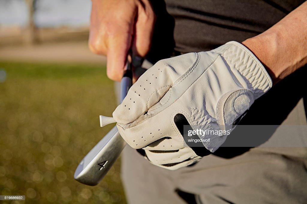 意外と重要!ゴルフグローブはクラブと体をつなぐ唯一の接点!