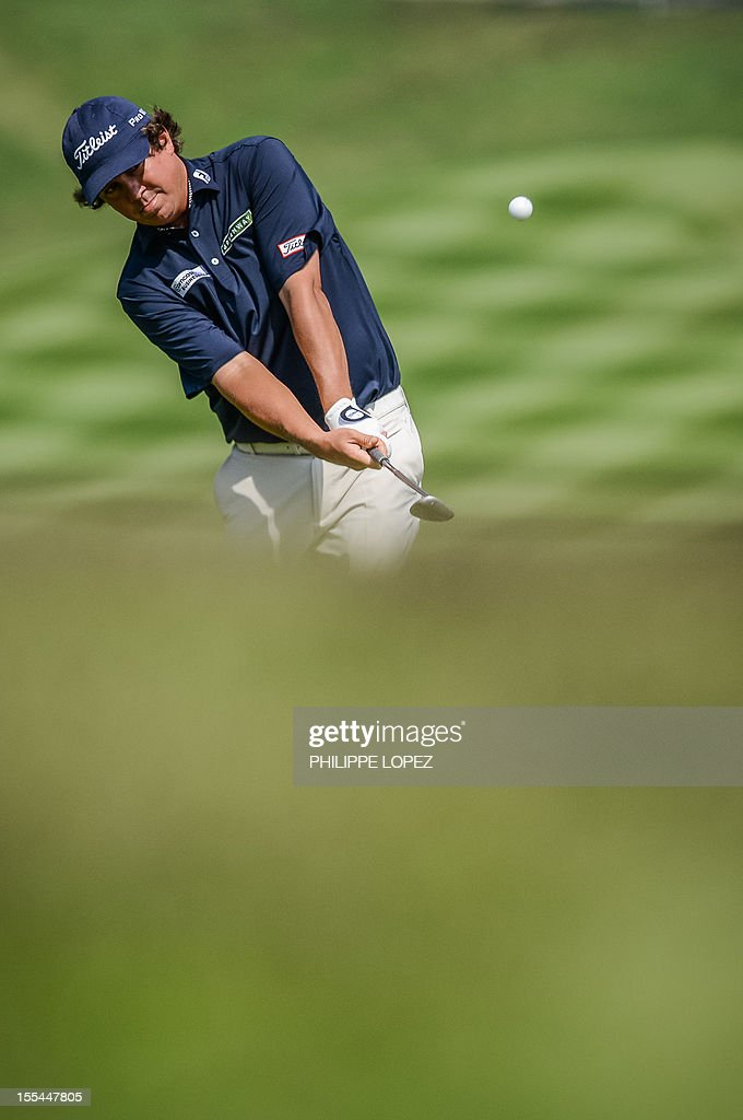 US golfer Jason Dufner hits a shot during the last round of the WGC-HSBC Champions golf tournament held on the Olazabal Course at Mission Hill Golf Club in Dongguan on November 4, 2012. AFP PHOTO / Philippe Lopez