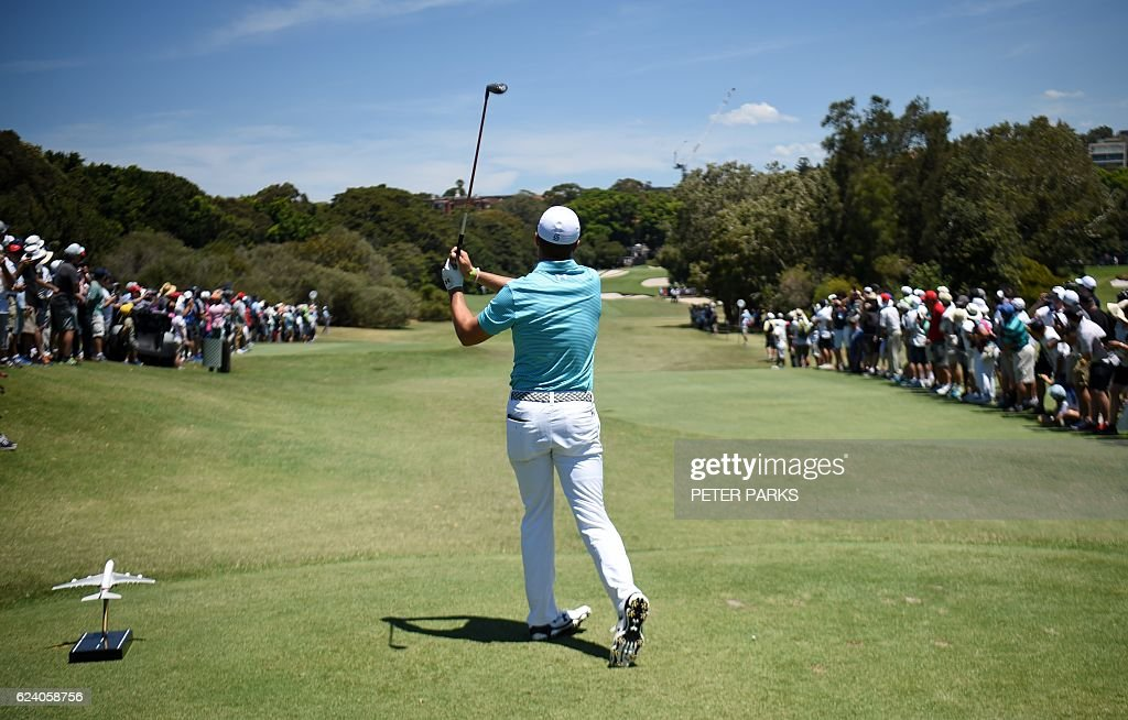 TOPSHOT-GOLF-AUS-OPEN : News Photo
