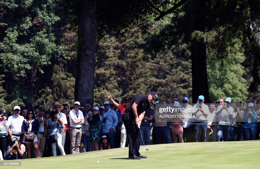 US golfer Phil Mickelson plays his shot at green three, during the fourth and last round of the World Golf Championship in Mexico City, on March 4, 2018. Five-time major winner Phil Mickelson seized his first title in nearly five years on Sunday as he edged Justin Thomas in a playoff to win the WGC Mexico Championship. /