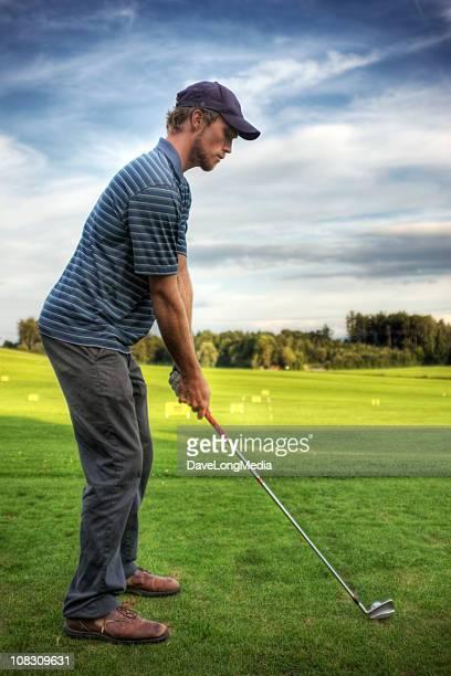 ゴルフ選手 - ゴルフ練習場 ストックフォトと画像