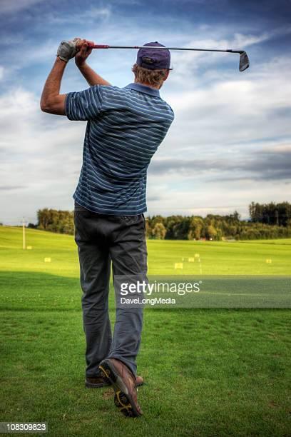 golfspieler - golfschwung stock-fotos und bilder