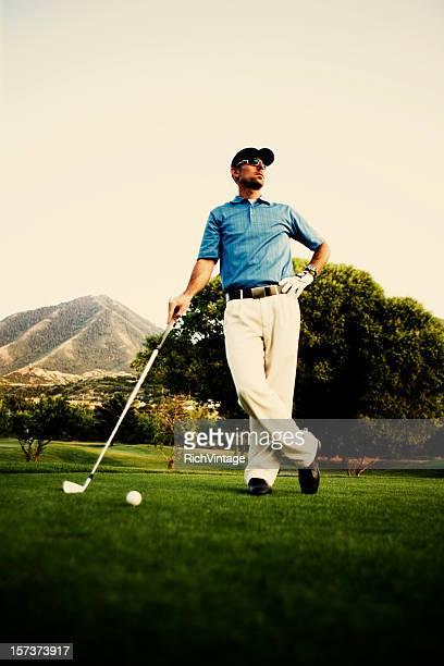 ゴルファーのポートレート - ティーグラウンド ストックフォトと画像