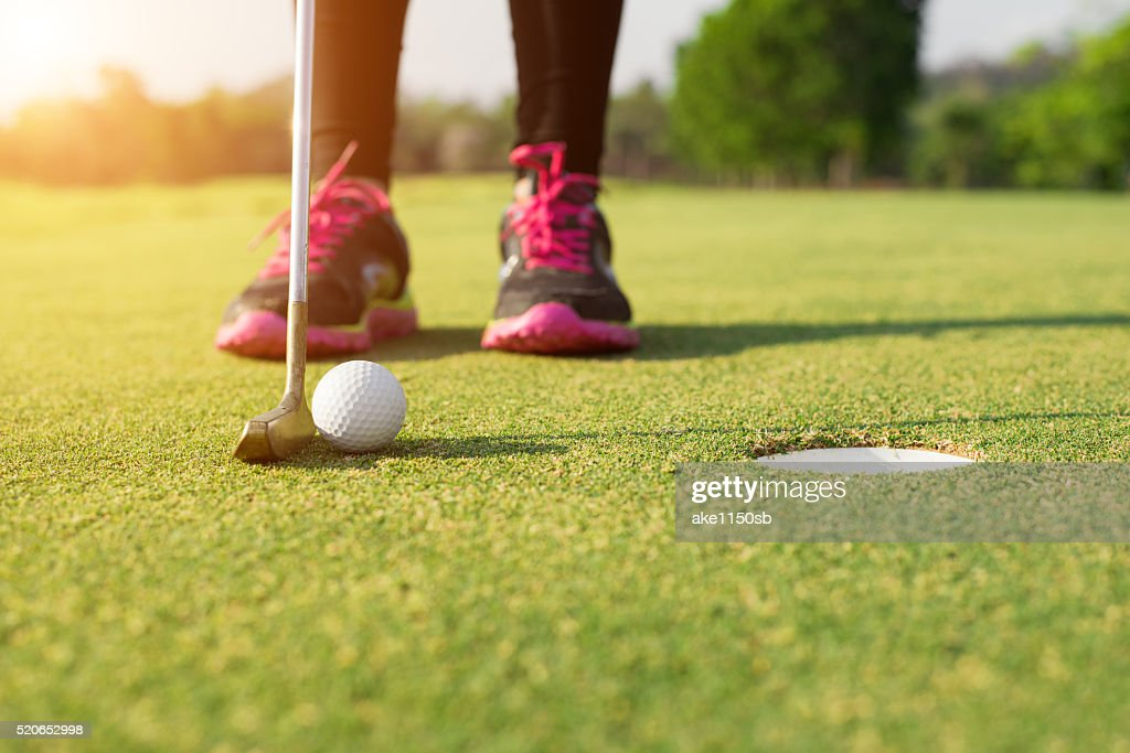 初心者ゴルフ女子が知っておきたい、パターの選び方