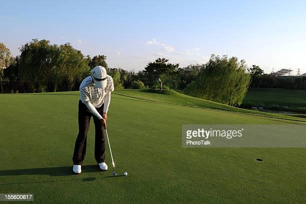 Golfer Putting - XLarge
