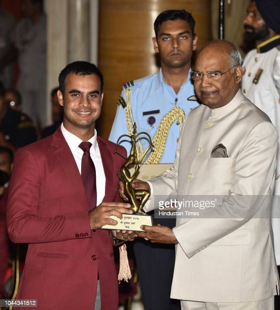 Golfer Shubhankar Sharma receives Arjuna Award 2018 for his achievements in Golf from President Ram Nath Kovind at National Sports and Adventure...
