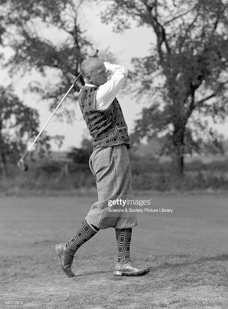 Golfer wearing plus fours. United Kingdom, c.1930s. : News Photo