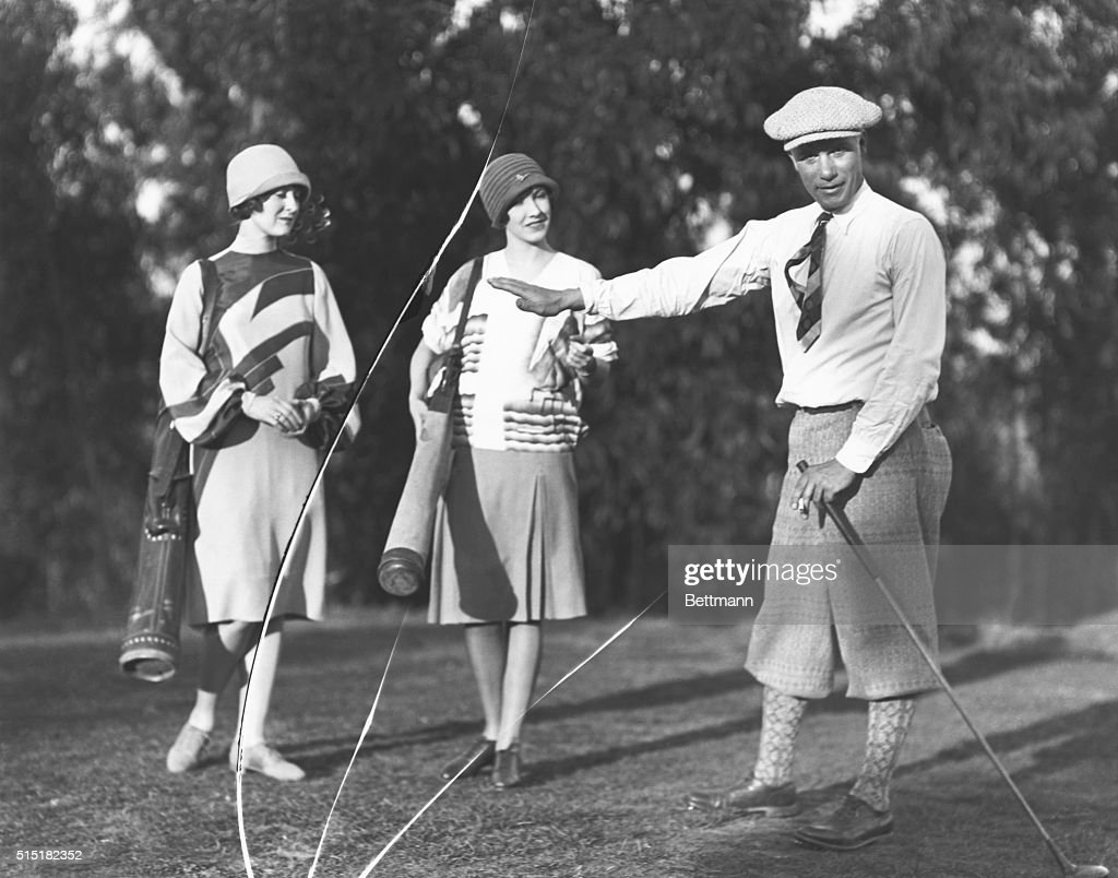 Golfer Will Armour with Female Caddies : News Photo