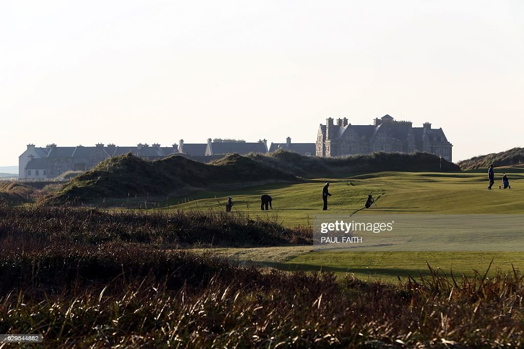 IRELAND-US-POLITICS-BUSINESS-GOLF : News Photo