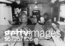 Golfkrieg 1701 Eine Spezialeinheit der UNOTruppe aus der CSFR ausgerüstet mit Laborfahrzeugen zur Analyse von chemischen Kampfstoffen Januar 1991