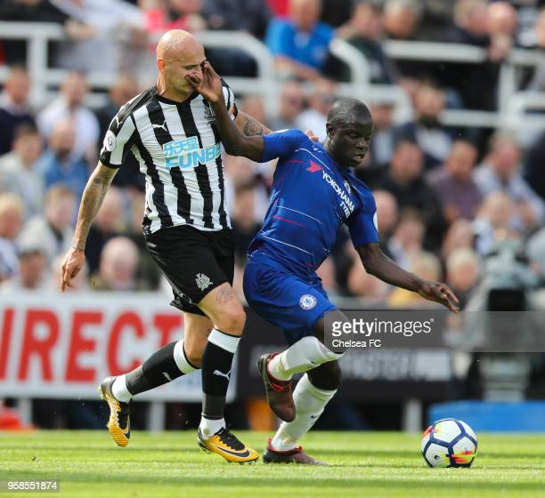 Golo Kanté of Chelsea and Jonjo Shelvey of Newcastle United during the Premier League match between Newcastle United and Chelsea at St James Park on...