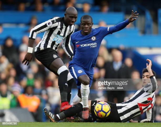 Golo Kante of Chelsea and Mohamed Diame of Newcastle United during the Premier League match between Chelsea and Newcastle United at Stamford Bridge...