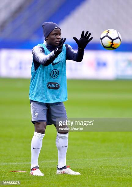 Golo Kante warms up during a France football team training session before the friendly match against Colombia on March 22 2018 in Paris France