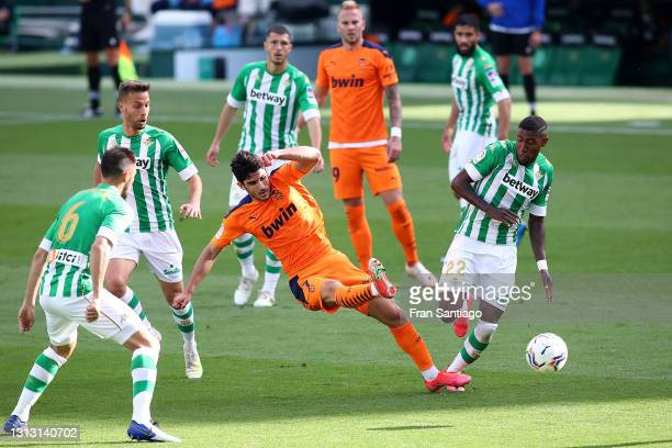 Goncalo Guedes of Valencia CF scores his team's first goal during the La Liga Santander match between Real Betis and Valencia CF at Estadio Benito...