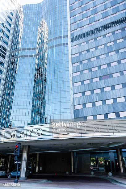 xxxl: gonda building of the mayo clinic in rochester, mn - ogphoto stock photos and pictures