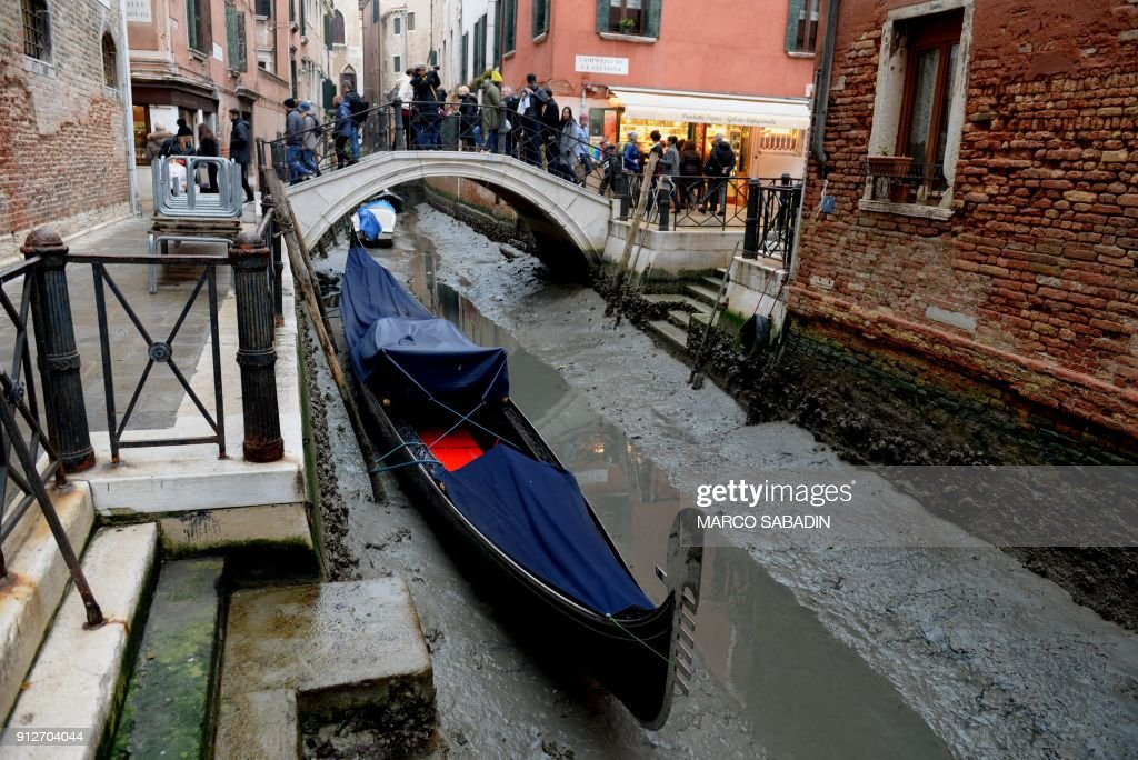 ITALY-TRANSPORT-TOURISM-VENICE : News Photo