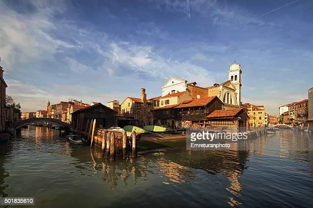 gondola repairshop in rio de s.trovaso,venice - emreturanphoto stock pictures, royalty-free photos & images
