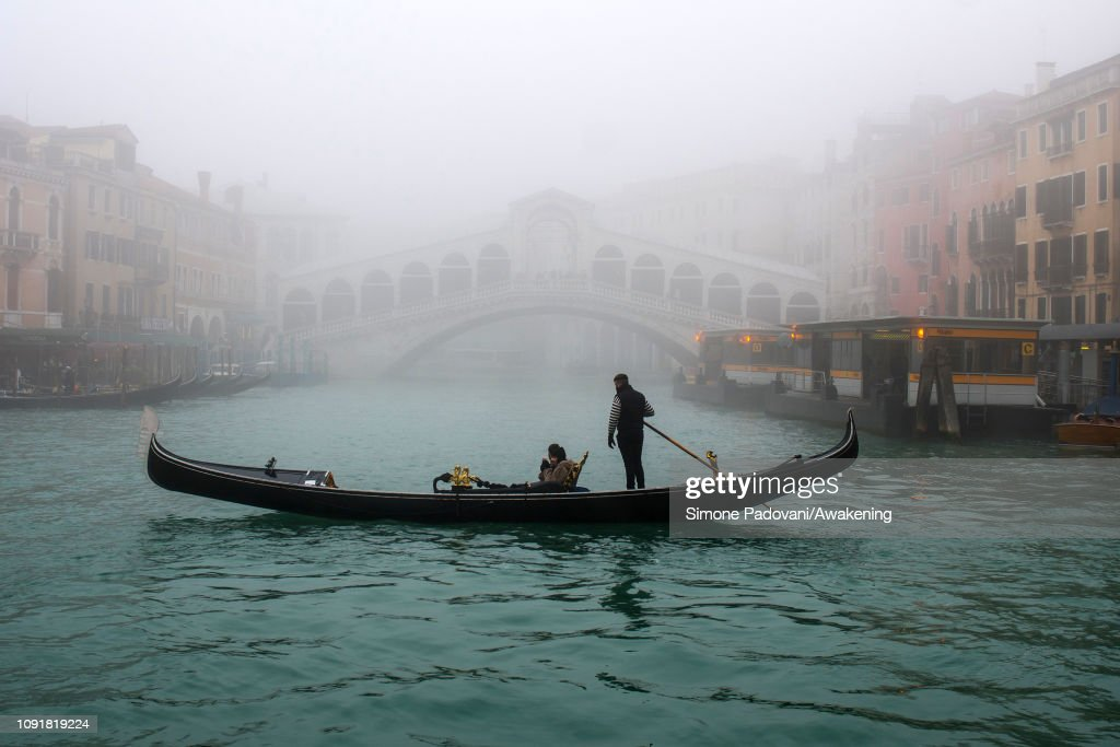 ITA: Venice wakes up under thick fog
