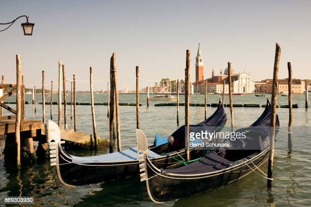 gondolas on san marco canal - bernd schunack stock pictures, royalty-free photos & images