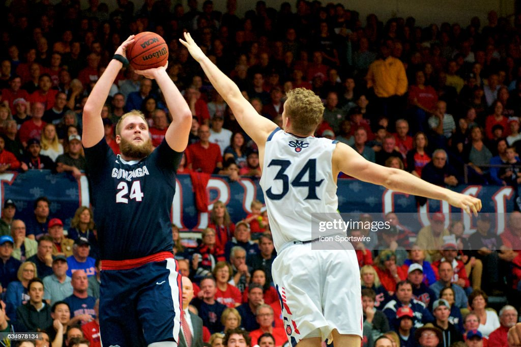 COLLEGE BASKETBALL: FEB 11 Gonzaga at Saint Mary's : News Photo