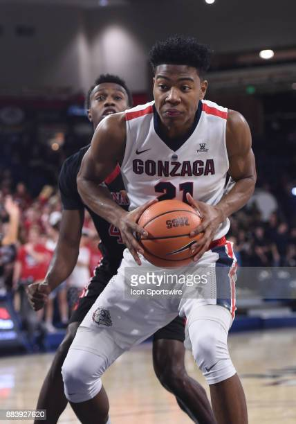 Gonzaga forward Rui Hachimura gathers himself before going up to score during the game between the Incarnate Word Cardinals and the Gonzaga Bulldogs...