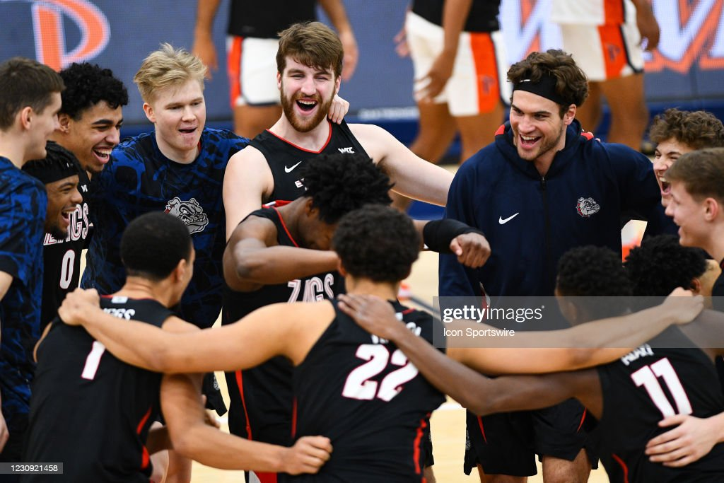 COLLEGE BASKETBALL: JAN 30 Gonzaga at Pepperdine : News Photo