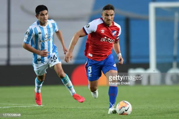 Gonzalo Bergessio of Nacional controls the ball during a group F match of Copa CONMEBOL Libertadores 2020 between Racing and Nacional at Juan Domingo...