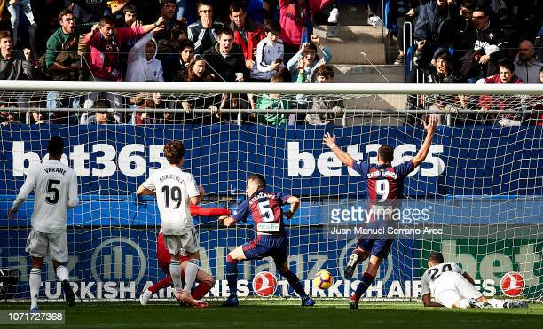 Gonzalo Escalante of SD Eibar scoring goal during the La Liga match between SD Eibar and Real Madrid CF at Ipurua Municipal Stadium on November 24...