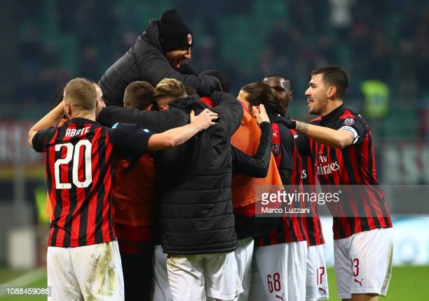 Gonzalo Higuain of AC Milan celebrates his goal with his teammates during the Serie A match between AC Milan and SPAL at Stadio Giuseppe Meazza on...
