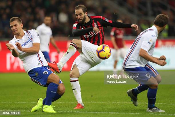 Gonzalo Higuain of AC Milan kicks a ball during the Serie A match between AC Milan and UC Sampdoria at Stadio Giuseppe Meazza on October 28 2018 in...