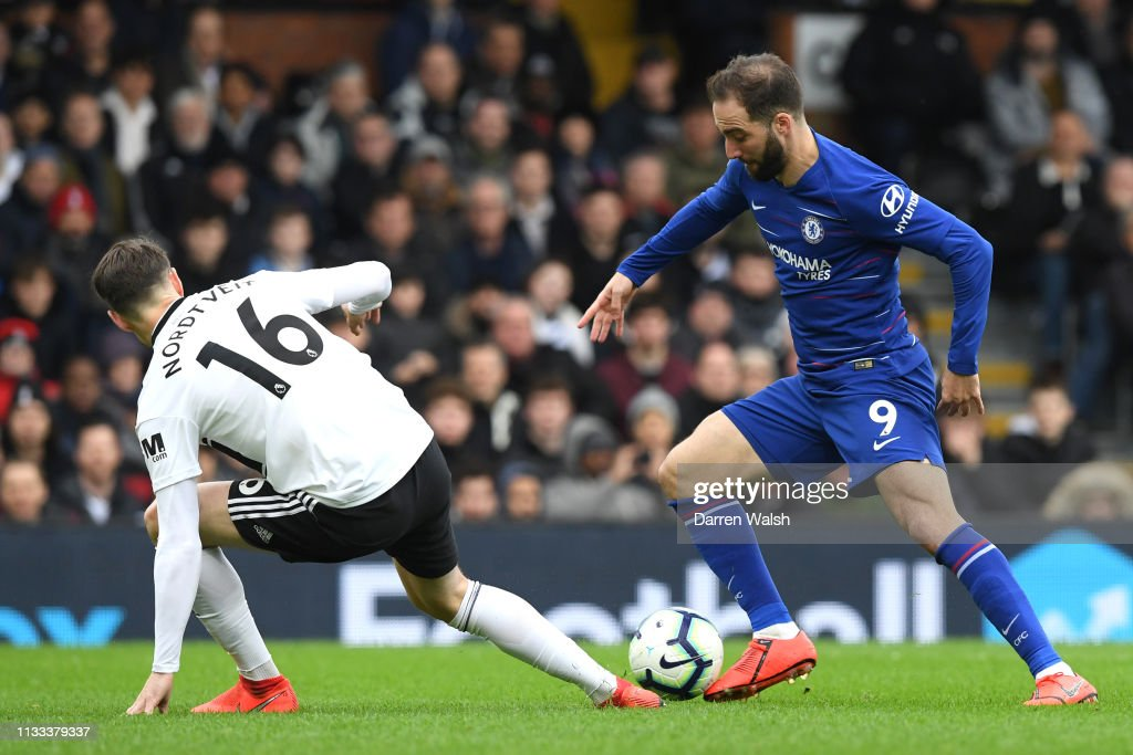 Fulham FC v Chelsea FC - Premier League : News Photo