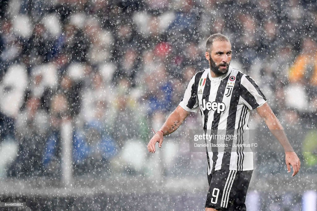 Gonzalo Higuain of Juventus during the Serie A match between Juventus and AC Chievo Verona on September 9, 2017 in Turin, Italy.